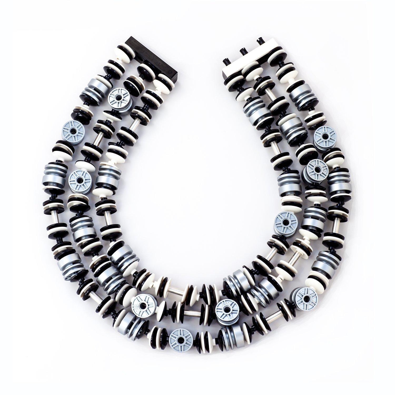 neck_silverHubs_trioW.jpg