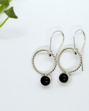 onyx zilveren oorbellen